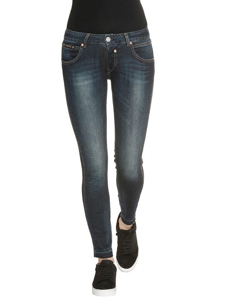 welche jeans sind jetzt angesagt