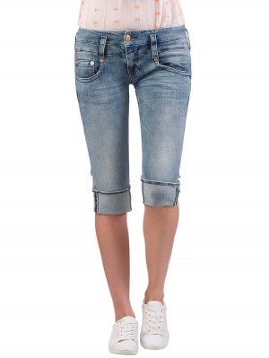 Herrlicher Pitch Short Denim Powerstretch Jeans hellblau vorne