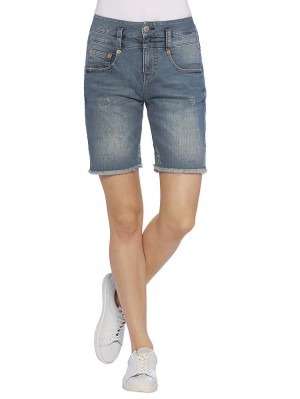 Herrlicher Pitch Shorty Denim Powerstretch vorne