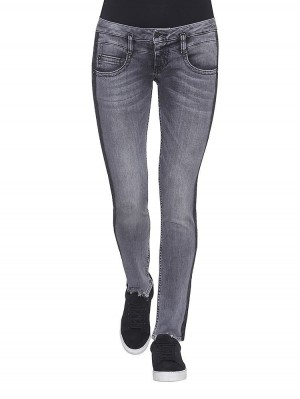 Herrlicher Pitch Slim Denim Black Stretch