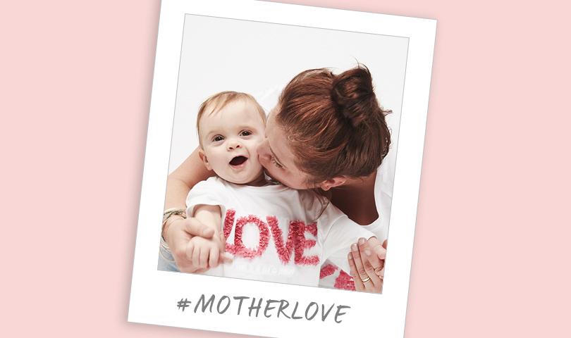 Mutter und Kind mit weißem Herrlicher T-Shirt